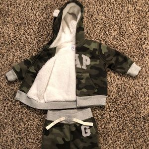 3-6 month Gap outfit